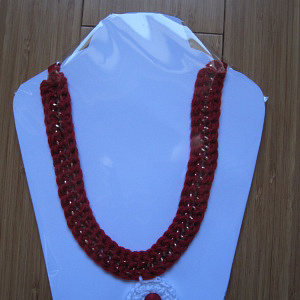 NECKLACE RED WHITE 1