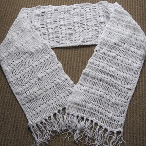 SHAWL WHITE WITH FRINGE